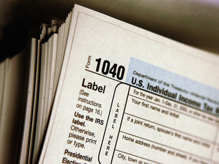 IRS warns of top 3 tax scams for 2016