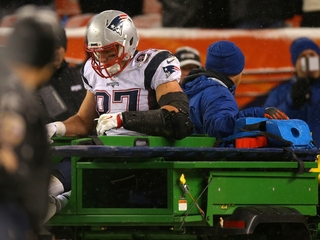 NFL knee injuries outweigh concussions