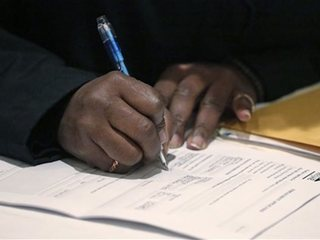 Applications for US jobless aid rise