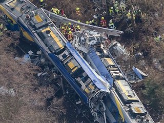 Death toll in German train crash rises to 10