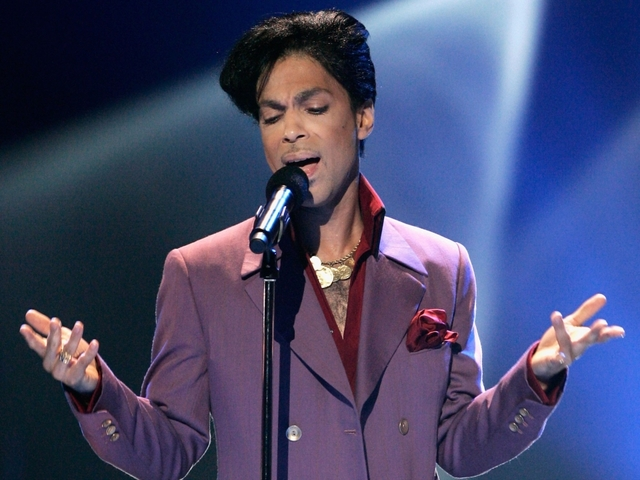 Singer recalls Prince stop at QC airport