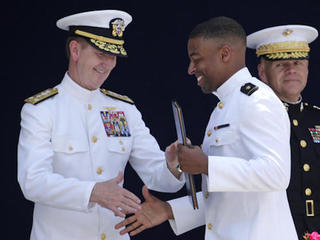 Navy's Reynolds, Swain cleared to play in NFL