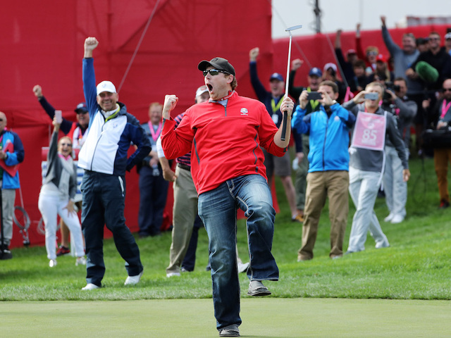 Tributes, Team USA, Tiger dominate morning session talk at Ryder Cup