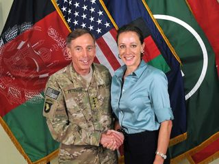 Broadwell wants new start after Petraeus affair