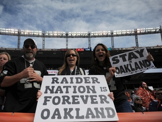 Oakland Raiders file relocation papers with NFL