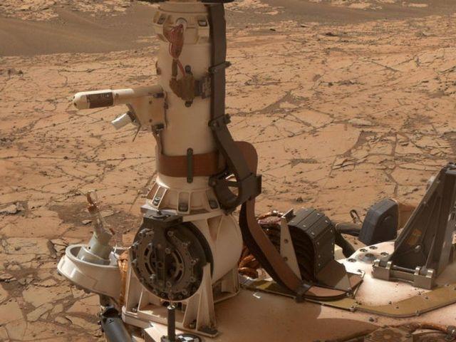 Curiosity's Battered Wheels Show First Breaks