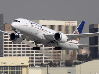 Man sues airline, claims passenger urinated