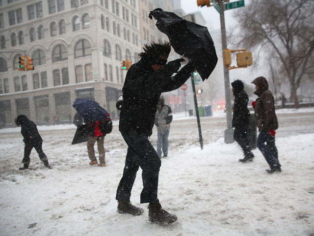 Second snowstorm hits US East Coast, several flights grounded