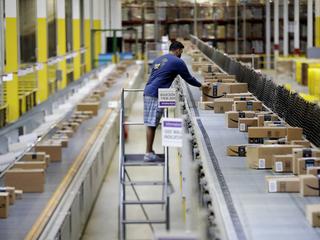 Amazon conducting warehouse job fairs today