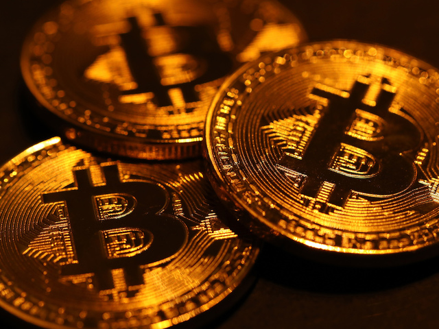 Cryptocurrencies resume slide as bitcoin tumbles to December low