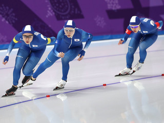 Teammates apologize to scapegoated skater