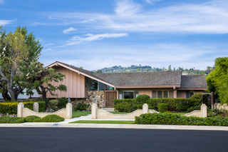 'The Brady Bunch' home for sale for $1.885M